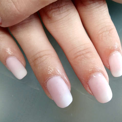 Esthéticienne Ecully Lyon Ongles Babyboomer Rose