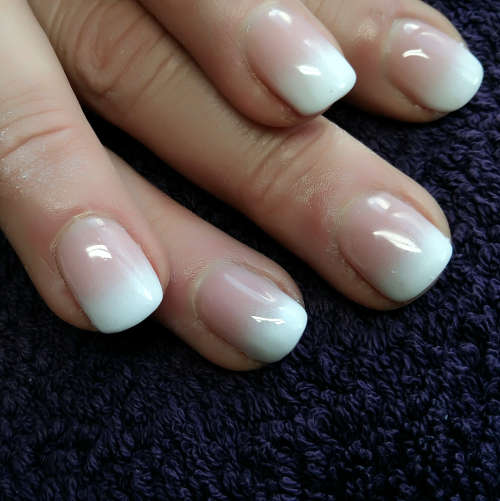 Esthéticienne Ecully Lyon Ongles Babyboomer French manucure